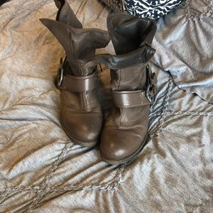 Slouchy brown boots
